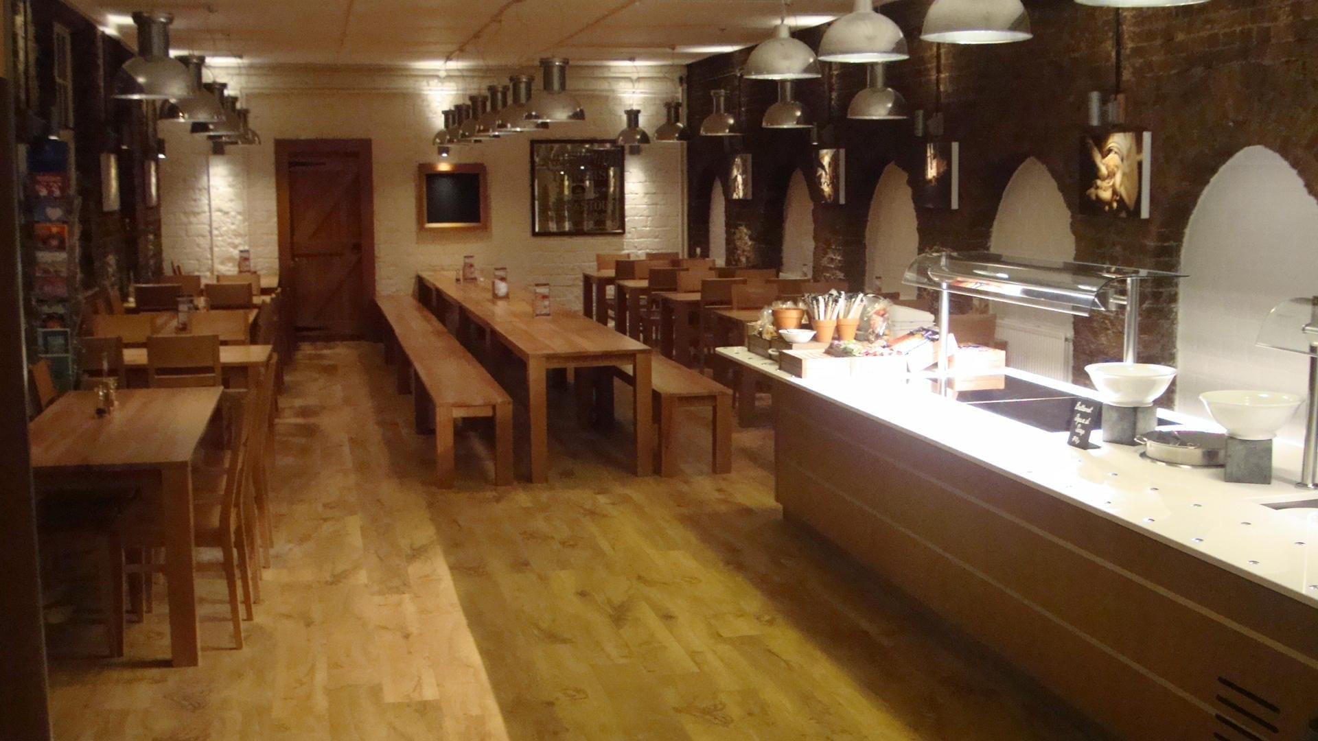 Fullers_Chiswick_Servery_Front_of_house_Servery_Food_Display_spacecatering_2