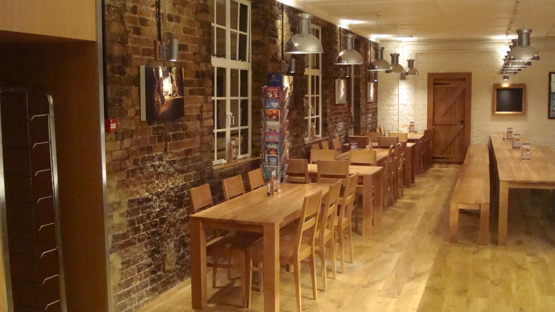 Fullers_Chiswick_Servery_Front_of_house_Servery_Food_Display_spacecatering_4