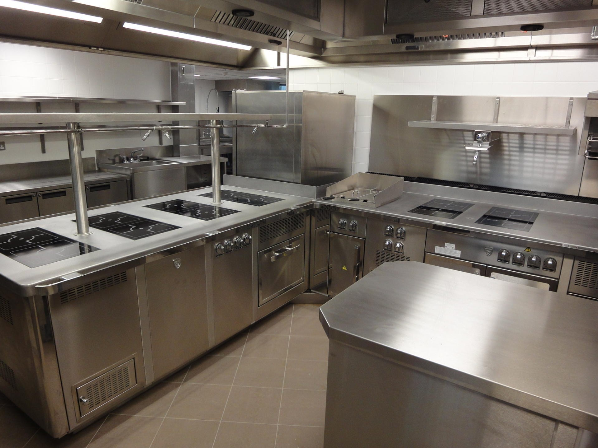 Hotel-Verta-Von-Essen-Battersea-Kitchen-Fabrication-Stainless-Steel-Commercial-spacecatering_7