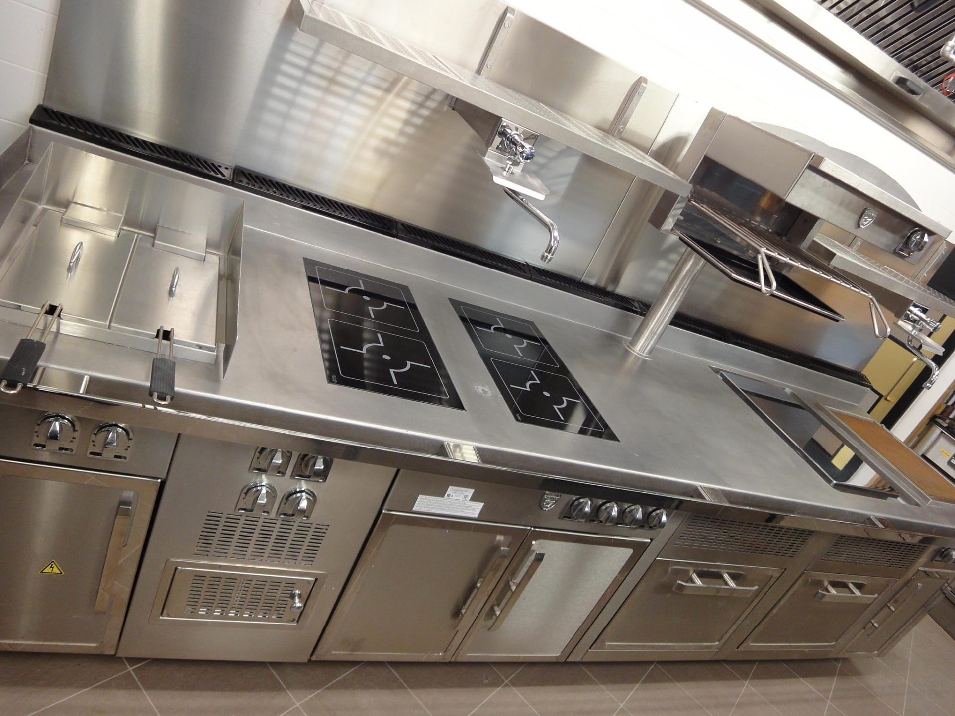 Hotel-Verta-Von-Essen-Battersea-Kitchen-Fabrication-Stainless-Steel-Commercial-spacecatering_8
