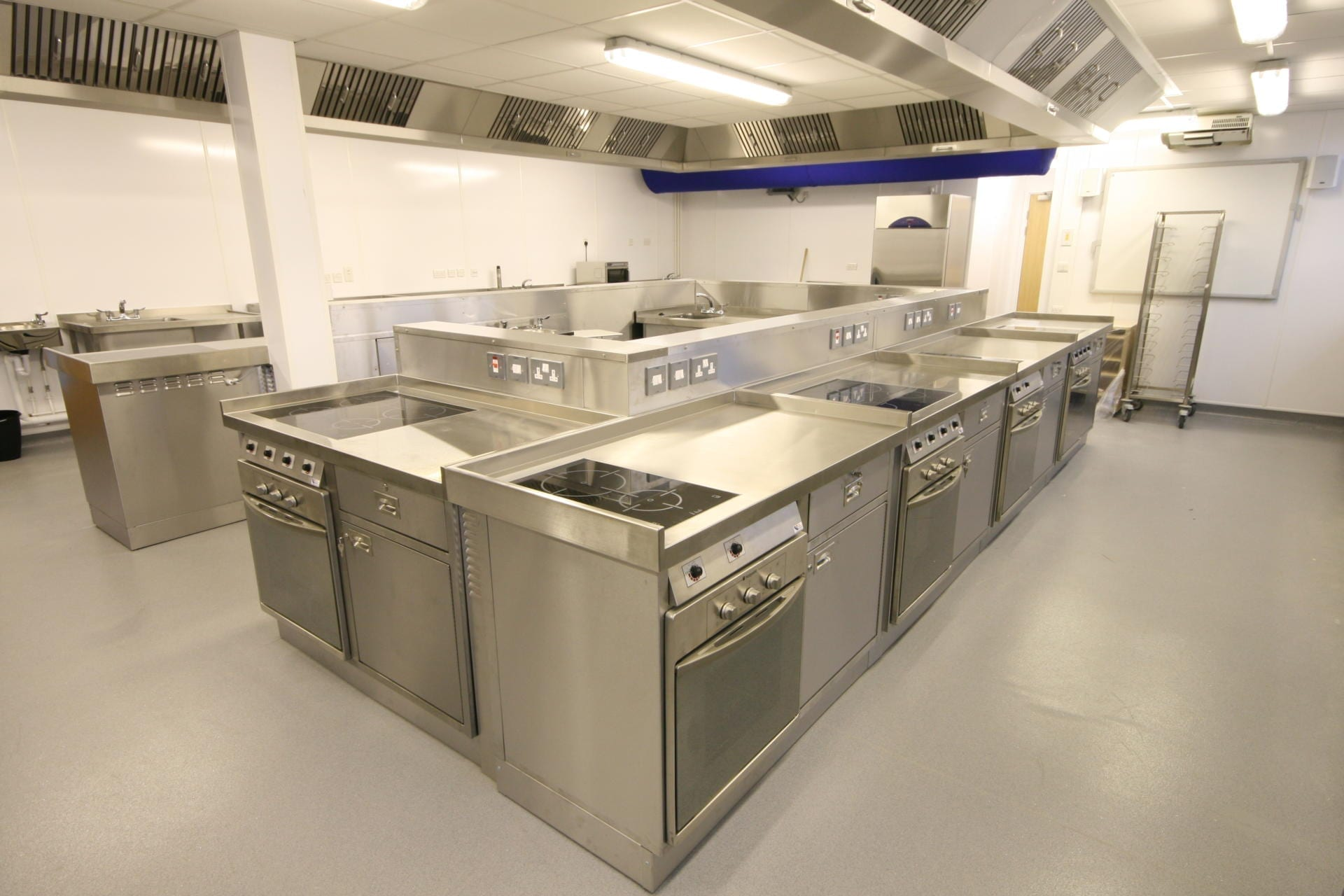 Launchpad-Gloucester-College-Training-Commercial-Kitchen-Fabrication-Stainless-Steel-spacecatering_2