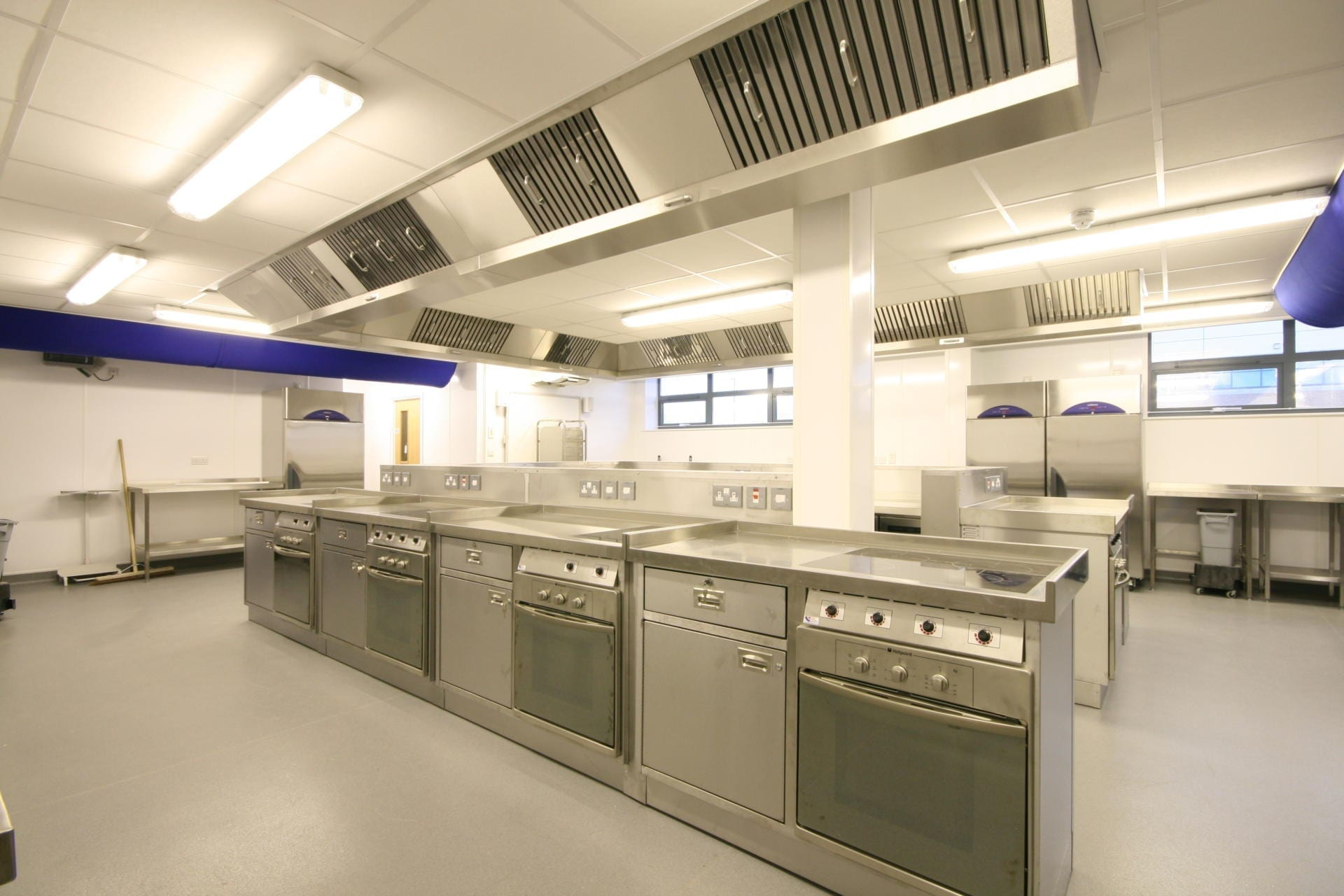 Launchpad-Gloucester-College-Training-Commercial-Kitchen-Fabrication-Stainless-Steel-spacecatering_3