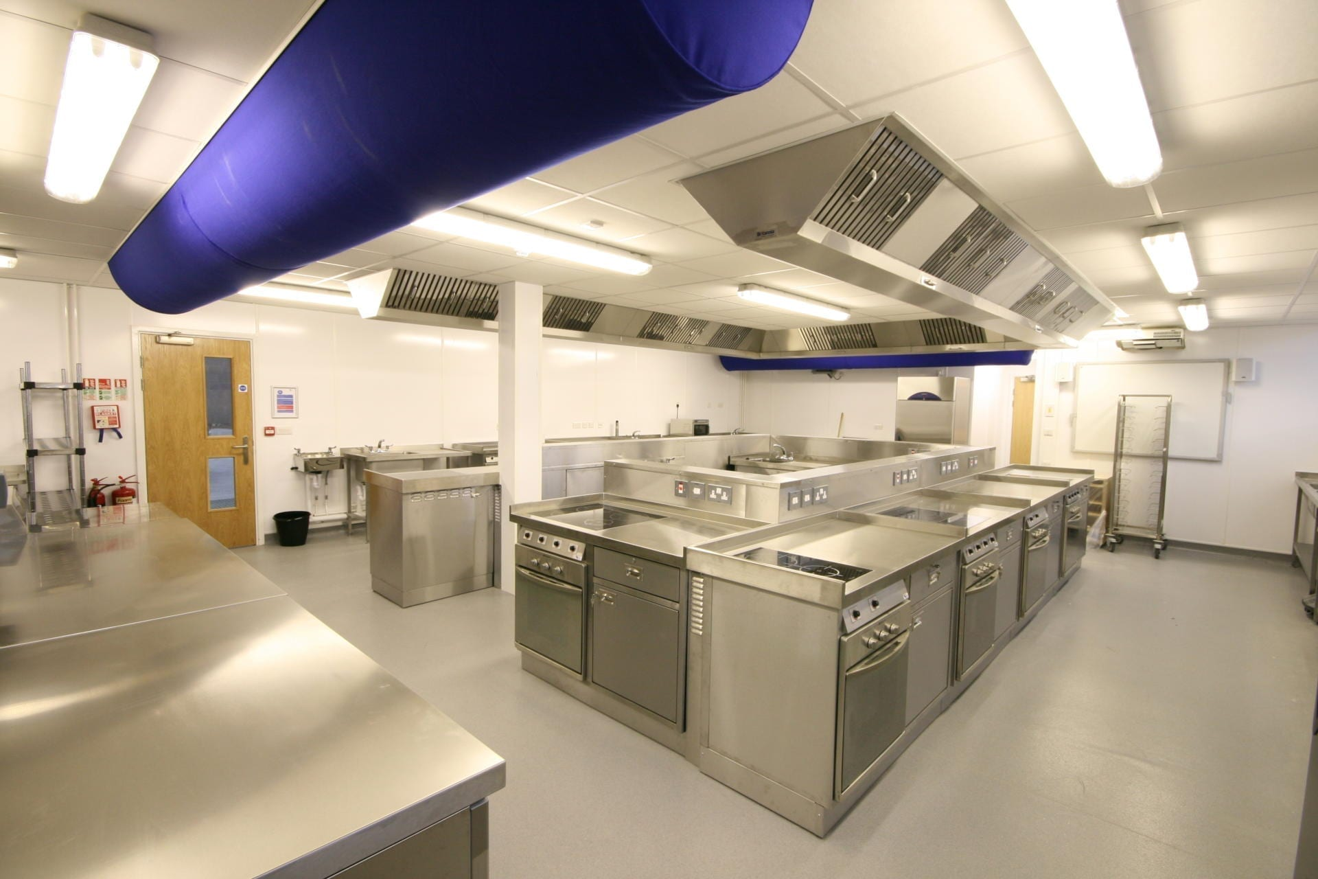 Launchpad-Gloucester-College-Training-Commercial-Kitchen-Fabrication-Stainless-Steel-spacecatering_4
