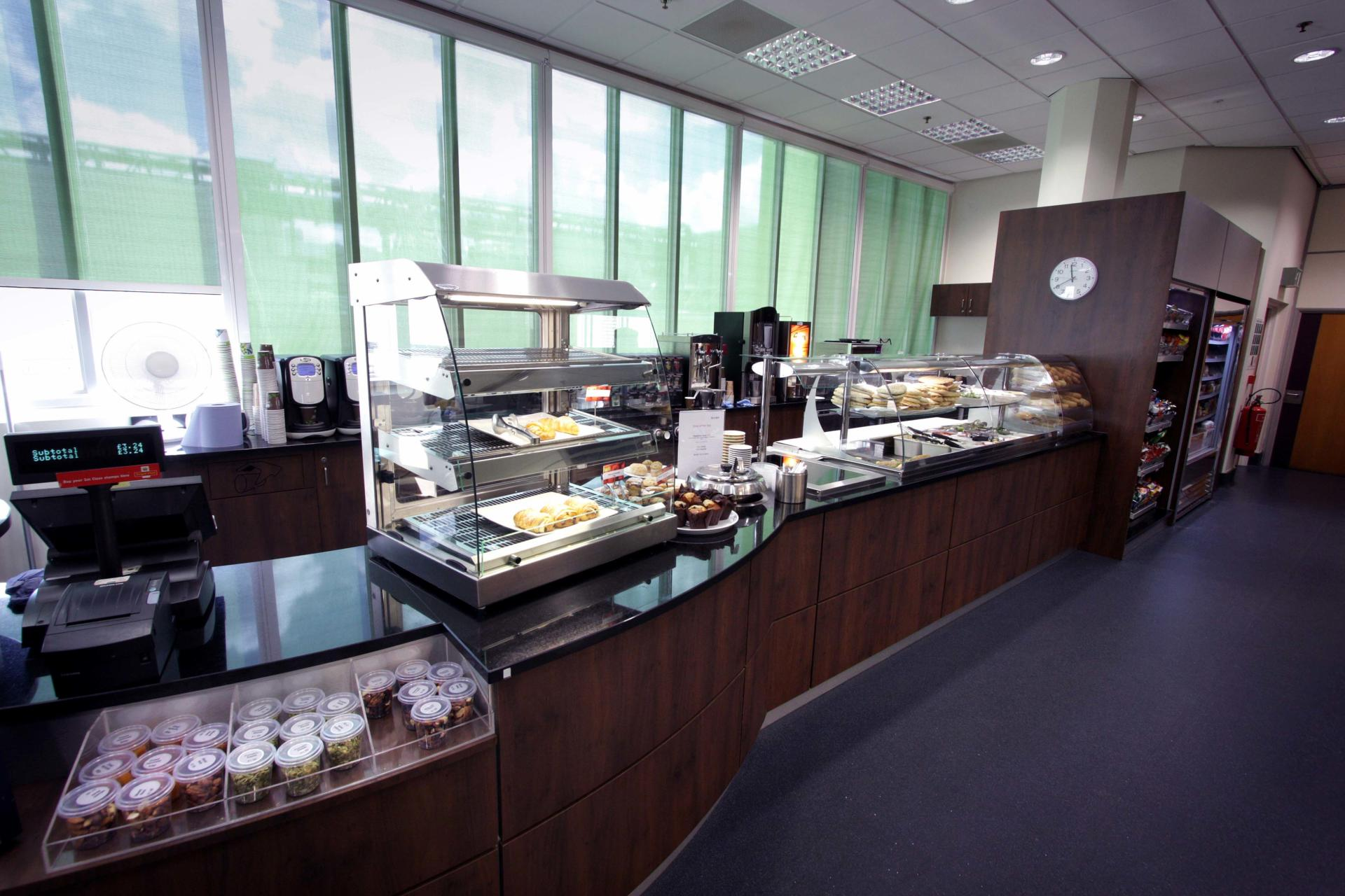 Mars-Sodexo-Slough-Staff-Severy-Front-of-house-Servery-Food-Display-spacecatering_1