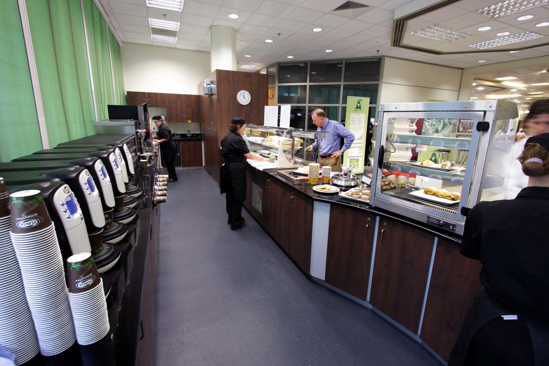 Mars-Sodexo-Slough-Staff-Severy-Front-of-house-Servery-Food-Display-spacecatering_5