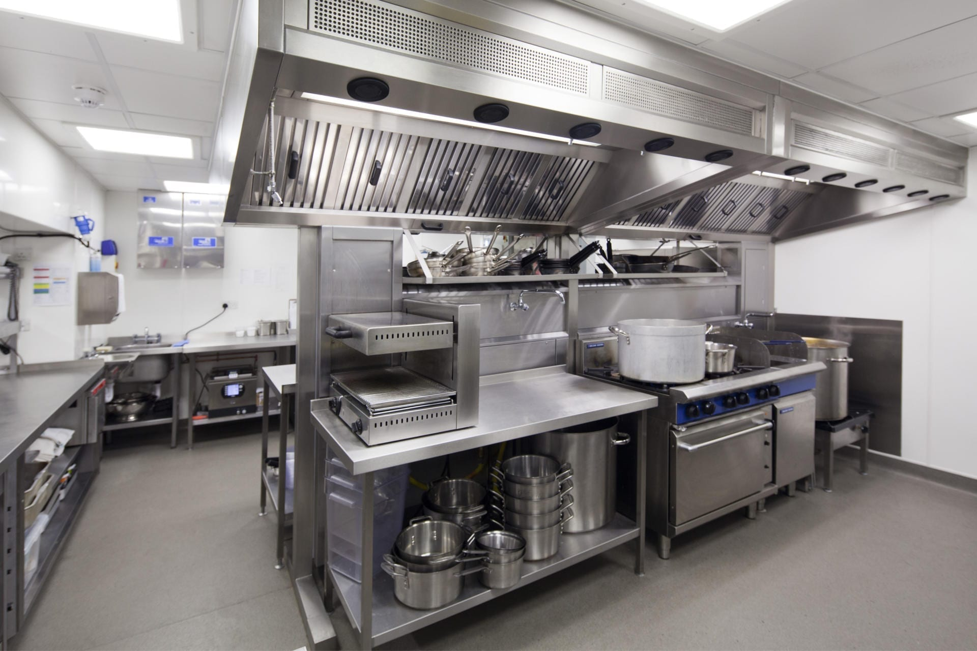 Montpellier-Chapter-Cheltenham-Restaurant-Kitchen-Front-of-house-Servery-Food-Display-Pizza-spacecatering_8