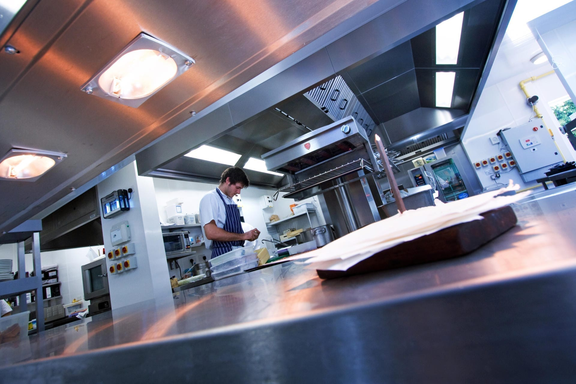 Ockenden-Manor-Hotel-Sussex-Restaurant-Kitchen-Fabrication-Stainless-Steel-Commercial-spacecatering_9