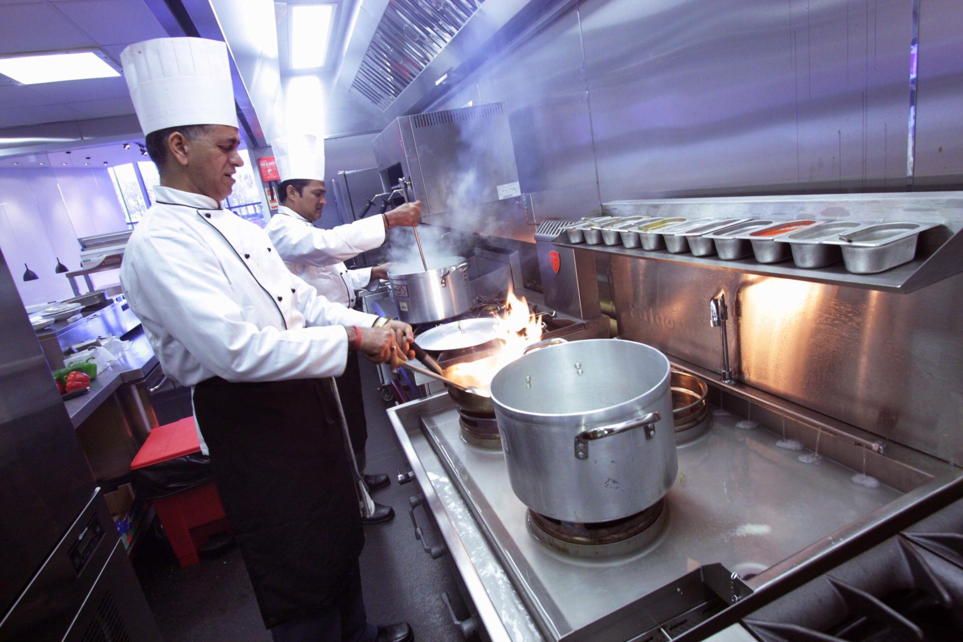 Oojam-Hemel-Hempstead-Indian-restaurant-and-kitchenFabrication-Stainless-Steel-Commercial-Kitchen-spacecatering_7