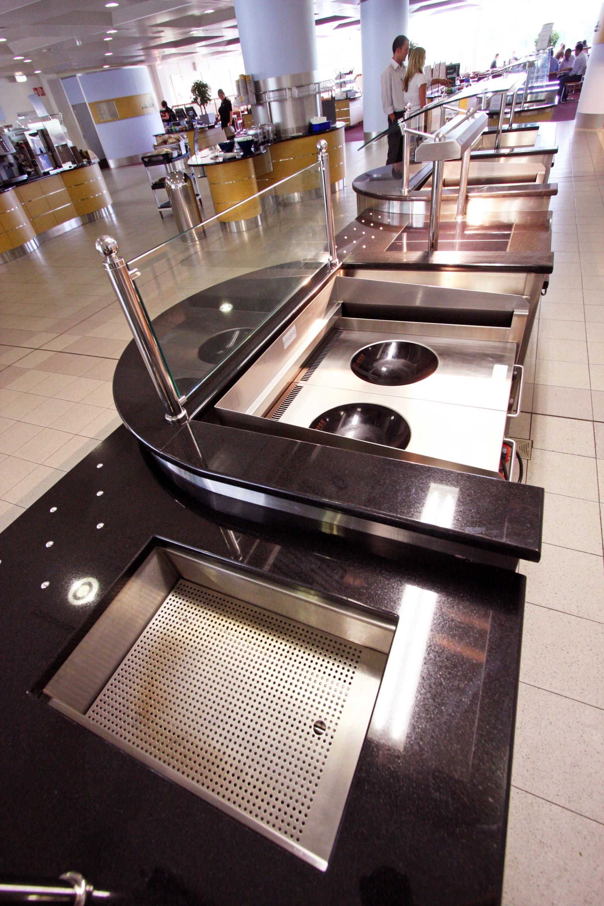 nationwide_swindon_staff restaurant_servery_induction wok (3)