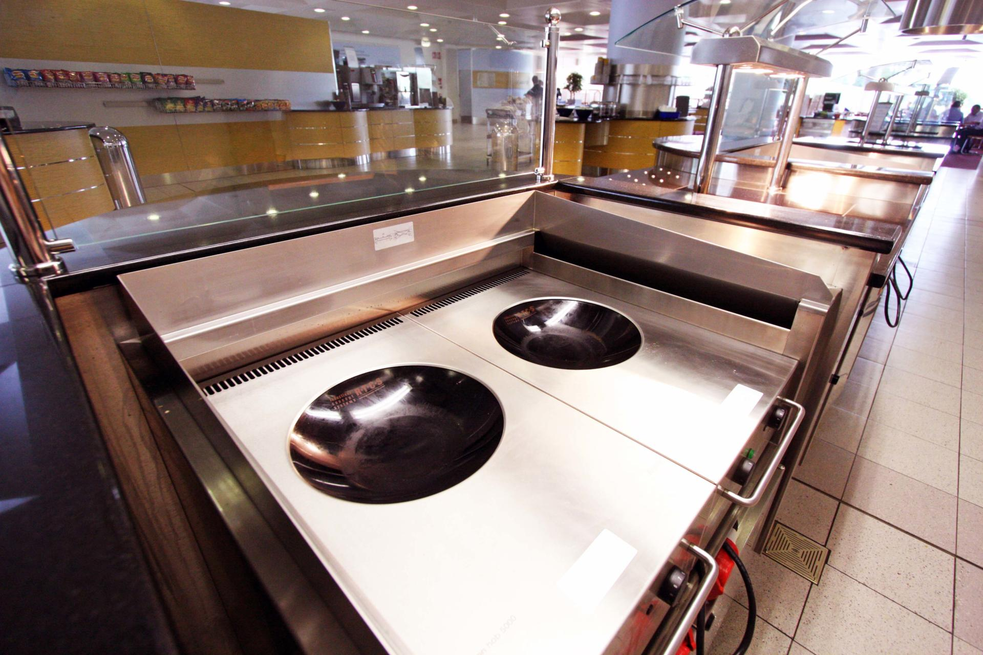 nationwide_swindon_staff restaurant_servery_induction wok (4)