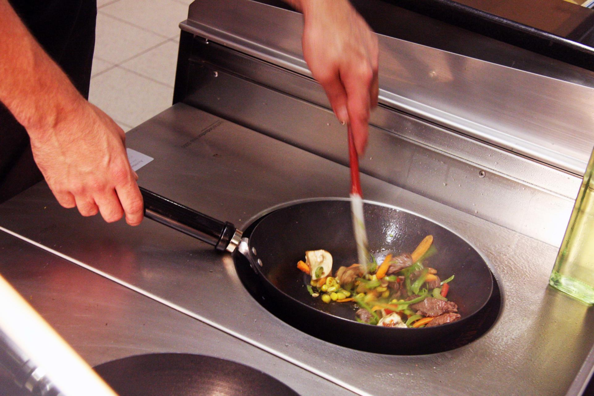 nationwide_swindon_staff restaurant_servery_induction wok(34)